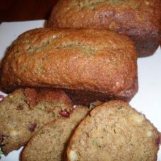 What an amazing combo! Try this #pineapple cranberry #zucchini bread recipe!