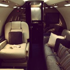 private plane for moi? Luxury Jets, Luxury Yachts, Luxury Decor, Luxury Interior, Trains, Private Jet Interior, Private Plane, Private Jets, Luxe Life