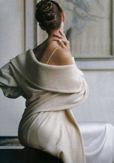 Beautiful dreams of love and luxury Fashion Images, 80s Fashion, Fashion History, Wooly Bully, Going Out Outfits, Beautiful Dream, Beautiful Women, Vintage Bridal, Shapewear