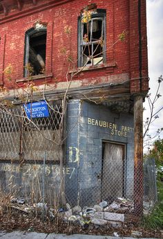 Brush Park, Detroit by Amanda Anger, via Flickr