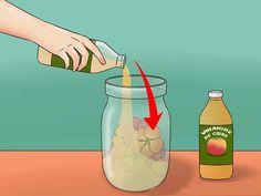 Le vinaigre de cidre est depuis longtemps connu pour ses vertus médicinales. Voici 12 utilisations et bienfaits du vinaigre de cidre à découvrir... Miracle, Cider Vinegar, Voici, Natural Remedies, Diy, Tips And Tricks, Products, Bricolage, Apple Vinegar