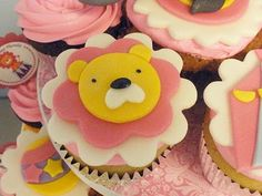 Lion and circus cupcakes