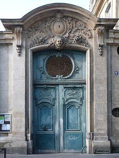 Entrance gate of number 5, rue Béranger, in Paris.