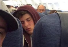 I would like die if I was in the same plane as him. ✈️