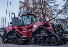 """Ready for zombie apocalypse. Best ZA vehicles, go where they sell farm equipment. Never know when you have to go """"off road. Case Ih Tractors, Big Tractors, Zombie Weapons, Zombie Apocalypse, Apocalypse Survival, Motorhome, Chenille, Fun At Work, Heavy Equipment"""