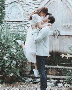Cute Love Couple, Sweet Couple, Wedding Pics, Wedding Couples, Prenup Photos Ideas, Brother Sister Photos, Couple Posing, Couple Photos, T Wallpaper
