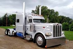 "Peterbilt 389 70"" Stand Up JR Show Truck"