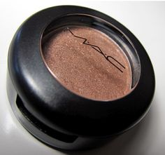 MAC All That Glitters! This is a prefect everyday color. Just apply this all over the lid, wing your liner, and apply a few coats of mascara to achieve to perfect look!