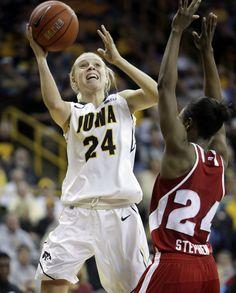 91 Best Womens NCAA Basketball Images Girls Basketball