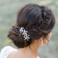 Peignes et pics Up Hairstyles, Wedding Hairstyles, Coiffure Hair, Wedding Hair Up, Marie, Bridal Shower, Hair Styles, Outfit, Collections
