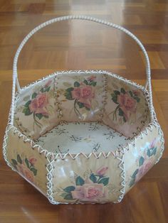 VINTAGE HANDMADE ROSE-CARD CRAFT BASKET PALE PINK