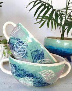 Ceramic Teapots, Porcelain Ceramics, Ceramic Bowls, Ceramic Pottery, Pottery Painting, Ceramic Painting, Ceramic Art, Floral Watercolor Background, Tumblr Pattern