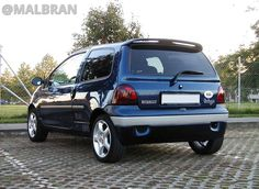 Renault Twingo - AUTO - CAR - AUTOMOVIL - TUNING - Modificado - AZUL - BLUE @MALBRAN Best Small Cars, First Car, Madness, Future, Tattoos, Cars, Slip On, Blue, Projects