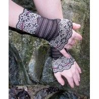 Lace cuffs Lace Cuffs, Fingerless Gloves, Arm Warmers, Fairy, How To Wear, Fashion, Fingerless Mitts, Moda, Fingerless Mittens