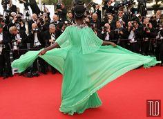 Lupita-Nyongo-Cannes-2015-Opening-Ceremony-La-Tete-Haute-Standing-Tall-Premiere-Red-Carpet-Fashion-Gucci-Tom-Lorenzo-Site-TLO (7)