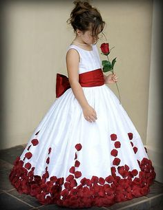 2015 Flower Girl Dresses for Wedding Wine Red and White Sash Ball Gown Sweep Train Crew Little Girls Pageant Gowns First Communion Dresses Wedding Flower Girl Dresses, Little Girl Dresses, Wedding Gowns, Girls Dresses, Flower Girls, Pink Dresses, Wedding Veil, Dresses 2016, Wedding White
