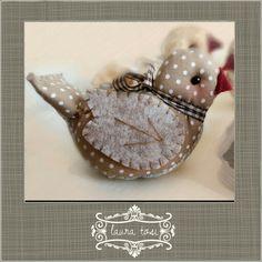 Uccellino by Laura Tosi www.facebook.com / fattoconamorelaura #cucitocreativo #cucitoamano #artesanato #creativas #handmadewhitlove #pasqua #creativemamy #handmade #birds #lemaddine