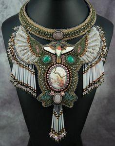 'Hummer' necklace