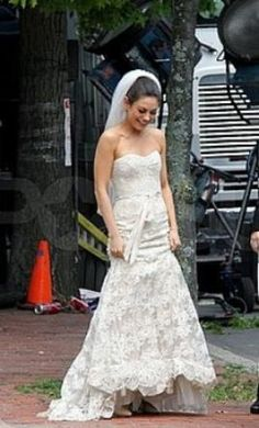 Trendy Used Monique Lhuillier Wedding Dress Amelie Size in Ted