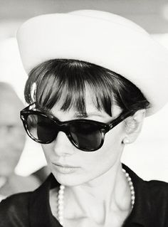 #Audrey Hepburn dressed by Givenchy in a scene from How to Steal a Million.