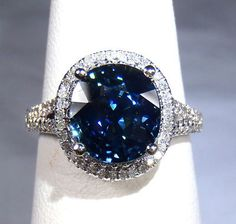 Pretty sure this would be the best mother's ring ever!