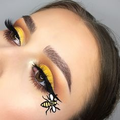 eyes carnival bee make-up face eyeshadow - schminken - Makeup Makeup Inspo, Makeup Art, Makeup Inspiration, Bumblebee Makeup, Make Up Gesicht, Homemade Eye Cream, Carnival Makeup, Creative Eye Makeup, Eye Makeup Steps