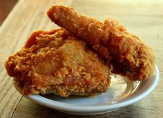 Southern Fried Chicken at Paula Deen's Lady & Son's Restaurant by Muy Yum, via Flickr