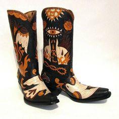 Eye boots #cotwm #instafashion #instagood #styleinspiration #fashion #shoelover #boots #style #styleguide #styleicon