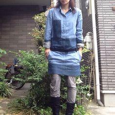 一応、全体保護者会だったからワンピース、なんだけど… 保護者会感はどこへ?  dress #céline  leggings #roque boots #manoloblahnik