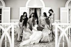 noiva e madrinhas - casamentos reais - Mar Vermelho