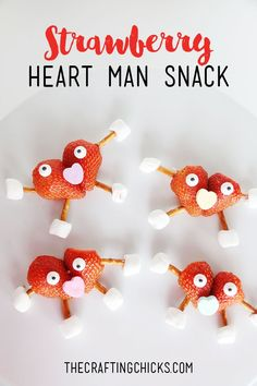 Strawberry Heart Man Snack on www.thecraftingch… – a fun snack for a class valentine party! Valentines Healthy Snacks, Valentines Day Treats, Valentine Day Crafts, Valentine Party, Holiday Crafts, Holiday Ideas, Valentinstag Party, Edible Crafts, Food Crafts