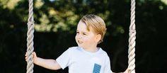 Le petit prince prend plaisir à mettre le bazar