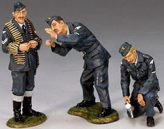World War II British Royal Air Force RAF008 Ground Crew set - Made by King and Country Military Miniatures and Models. Factory made, hand assembled, painted and boxed in a padded decorative box. Excellent gift for the enthusiast.