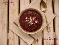 Zupa krem z buraków z malinami i ricottą