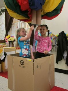 Exploring Through the Eyes of Classroom Up, Up and Away! - Child size hot air balloon, dramatic play, air ways, Reggio Emilia inspired preschool classroom Reggio Classroom, Preschool Classroom, Classroom Themes, Kindergarten, Preschool Activities, Play Based Learning, Learning Through Play, Early Learning, Dramatic Play Area