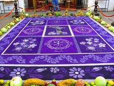 Amazing carpets from sand.