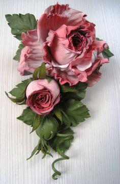 Best 11 What do you think? Clay Flowers, Sugar Flowers, Faux Flowers, Silk Flowers, Fabric Flowers, Flower Crafts, Flower Art, Band Kunst, Fleurs Diy