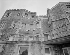 magnifique et grandiose façade de la villa Bric-à-Brac