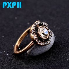 Exquisite Fashion Retro Hollow Crystal Flower Rings For Women R253-in Rings from Jewelry & Accessories on Aliexpress.com | Alibaba Group