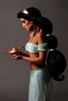 Jasmine cosplay …