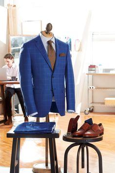 Shared by LALONDEs. Canali Suits, Capsule Outfits, Office Looks, Sports Jacket, Mens Suits, Vintage Men, Suit Jacket, Menswear, Male Style