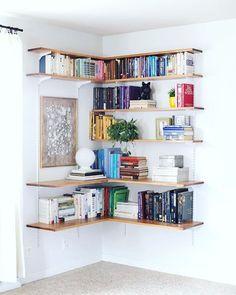 Amazing corner shelving from @feedly.com...talk about a #storagesolution #shelving #smallspaces #urbancasa #NYC #designinspo #storageideas #display #interiors #instagood #designer