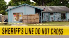 Deadly Florida sinkhole reopens after swallowing sleeping man in 2013 http://sumo.ly/88oI  Police tape surrounds a home where a sinkhole opened up and swallowed a man in Seffner, Florida, March 1, 2013 © Brian Blanco