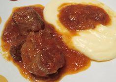 Μοσχάρι κοκκινιστό με μπαχαρικά συνταγή από Ζου Ειρηνη - Cookpad Greek Recipes, Cooking Recipes, Beef, Meals, Drinks, Food, Meat, Drinking, Beverages