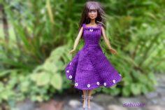 Puppenkleidung - Kleid mit Perlen-Blüten für Barbie *** violett - ein Designerstück von Sabisilke bei DaWanda