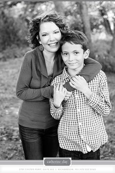 children photography, fall what to wear ideas, family photos, mother and son, outdoor pictures // Dallas photographer Catherine Clay