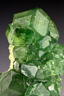 Demantoid Garnet / Mineral Friends <3