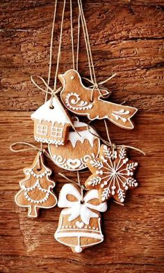 #Christmas #cookies decorated gingerbread  ornaments ToniK ℬe Meℜℜy rustic moxiefabworld.com