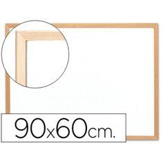 Pizarra blanca con marco de madera de  60 x 90 cm.