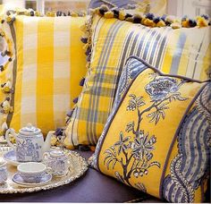 reminds me of all the yellow and blue fabric when I was shopping in France . . . hmmmmm!